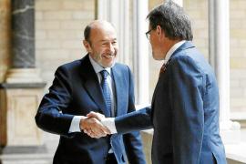 Rajoy rechaza tocar la Constitución ahora para encajar Catalunya