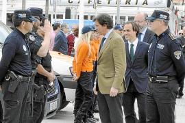 Navarro dice que el PSOE va a por él, luego irá a por Gijón y después a por el alcalde