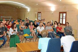 El alcalde explica a los vecinos del 'Müller' la suspensión del derribo