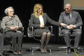 Alcaldes del PP organizan un escrache a la presidenta de Andalucía