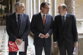 Navarro: «he dicho en público lo que el mundo piensa, no habrá consulta en 2014»