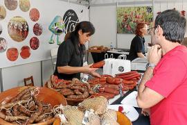Porreres vive su feria más multitudinaria y muestra su potencial en productos locales