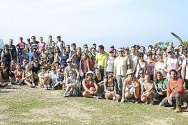Más de150 voluntarios participan en una jornada de limpieza en La Trapa
