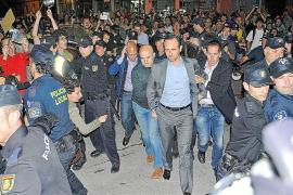 CONDENA UNANIME DE TODOS LOS PARTIDOS POR LOS ACTOS VIOLENTOS DE PROTESTA CONTRA JOSE RAMON BAUZA