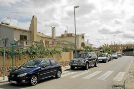 Instalan un nuevo alumbrado en los accesos de varias urbanizaciones