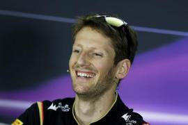 Grosjean (Lotus) manda en los primeros libres con Alonso (Ferrari) lejos