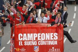 Madrid se tiñe de rojiblanco para celebrar la Europa League
