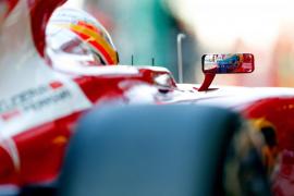 Alonso: «A veces salir en el puesto once con ruedas nuevas ayuda»