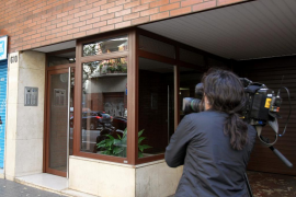 Detenidos unos padres por la muerte de su bebé en Barcelona