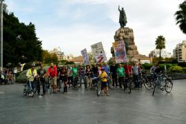 Biciutat dice que Cort bloquea el carril bici que une Plaça d'Espanya y el parque de ses Estacions