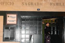 Cazan a un vigilante de Es Fusteret contactando con menores con un perfil falso de Facebook
