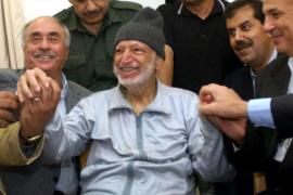 Arafat fue envenenado hasta la muerte con polonio radiactivo, según su viuda