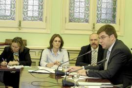 Salut pide 20 millones de euros más al Govern para pagar las nóminas de 2013