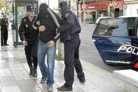 El primer policía detenido por el robo a Matutes confesó por «remordimientos»