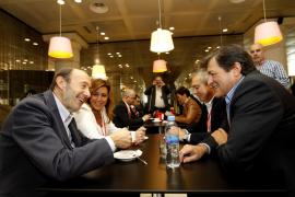 Díaz pide anteponer los intereses de los ciudadanos a los individuales y dice que «necesitamos» al PSC