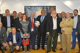 El RCD Mallorca, con Llucmajor, Peña Arrabal y Jadel.