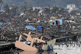 Angustia entre la comunidad filipina de Mallorca por el drama del tifón 'Haiyán'