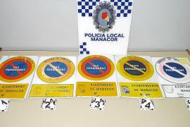 Un estudio de la Policía Local detecta 763 placas de vado permanente falsas