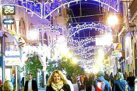 Aprobadas las diez aperturas en festivo pese a las críticas del pequeño comercio