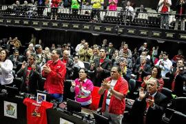 Nicolás Maduro advierte que con la Ley Habilitante no le «parará nadie»