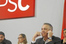 Pere Navarro aleja al PSC de las tesis soberanistas y frena al sector crítico