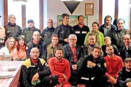 Unidades caninas de bomberos de España intercambian en Sóller métodos de trabajo