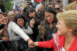 La victoria de Bachelet, empañada por el triunfo de la oposición en el Congreso