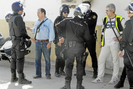 Al menos diez detenidos y más de 200.000 euros intervenidos en una operación en Son Banya