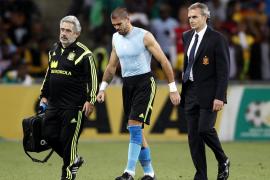 Víctor Valdés estará seis semanas de baja