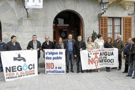 La privatización del agua eleva la tensión entre PP y oposición
