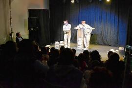 Centenares de escolares arropan el inicio del Festival de Teatre de Vilafranca