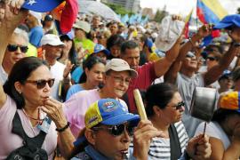 La oposición venezolana vuelve a tomar las calles contra la inflación