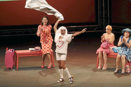 La menopausia y sus efectos 'provocan' ataques de risa en el Auditòrium