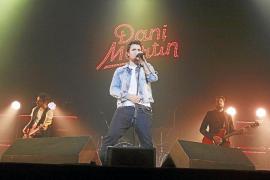 El pop de Dani Martín 'calienta' en el Palma Arena una noche gélida