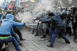 Más de 100.000 personas se movilizan en Kiev en favor de la entrada en la UE