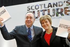 Salmond prevé una Escocia en la UE, con libra esterlina y la reina Isabel II