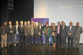 El Pi llena el teatro en el acto de presentación del comité local de Lloseta