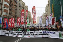 Miles de personas marchan en Madrid contra la nueva ley educativa