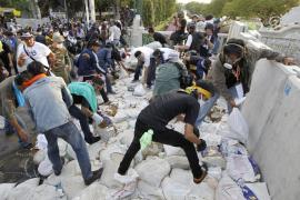 Los manifestantes provocan el caos en varios distritos de Bangkok