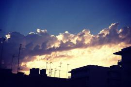 Fotografía del cielo tomada desde la ventana de mi habitación.