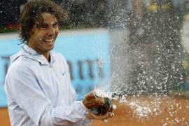 Nadal recupera el número 2 y amenaza a Federer en Roland Garros