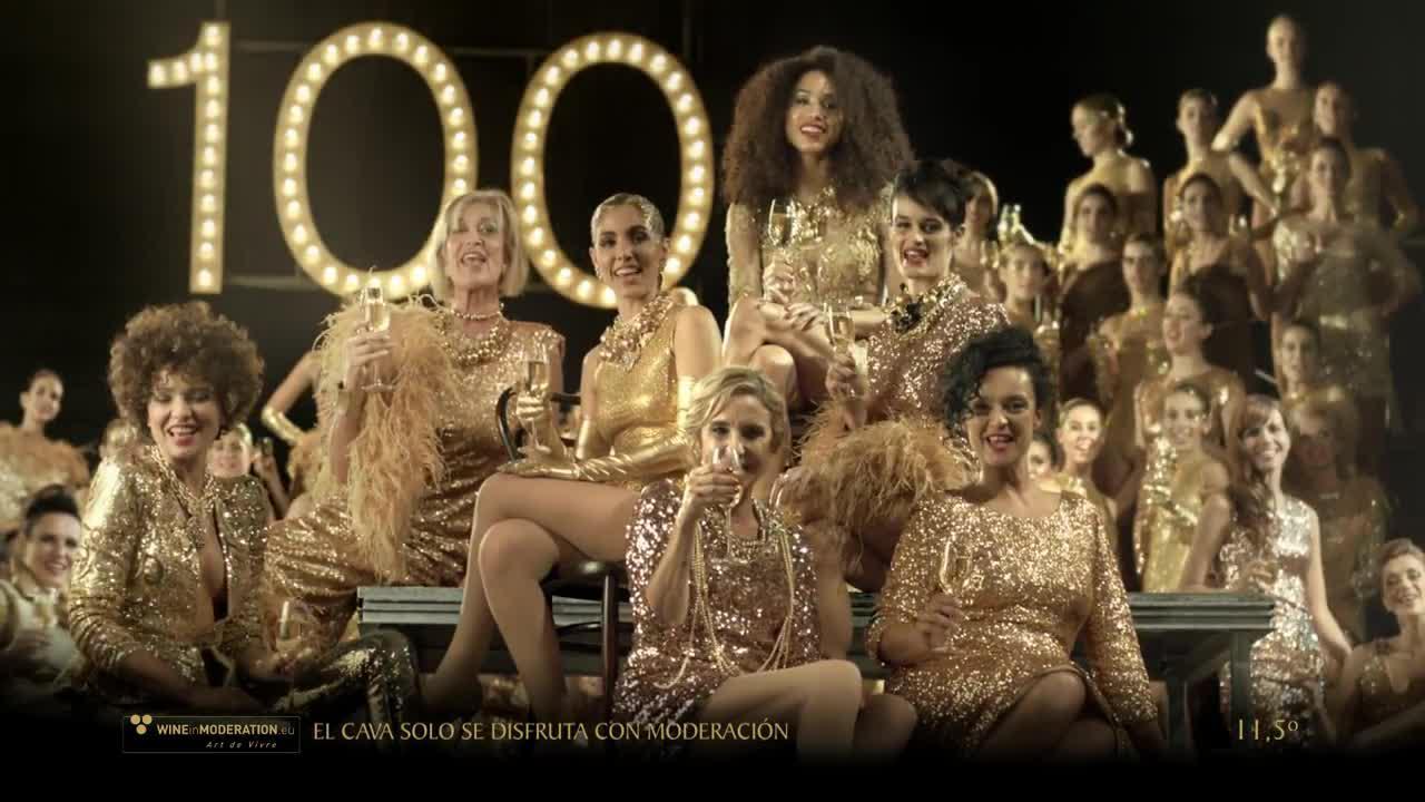 El anuncio de Freixenet reúne a 130 'burbujas' históricas por su centenario