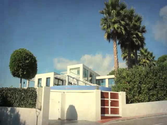 Jorge Lorenzo muestra en un vídeo de su casa en Barcelona