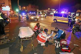 Un motorista resulta herido grave al estrellarse contra un coche en Palma