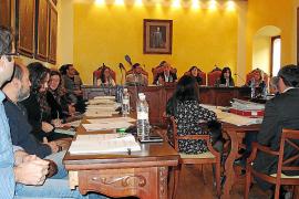 Los convenios urbanísticos en Manacor vuelven a enfrentar al pacto con la oposición