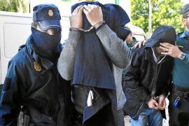 El juez deja libre con cargos a uno de los policías implicados en el robo a Matutes
