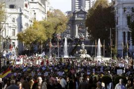 Miles de sanitarios, educadores y científicos se manifiestan por lo público