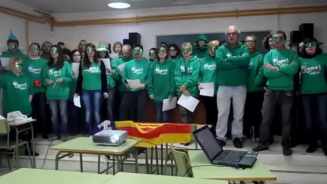 La Assemblea de Professors del IES Antoni Maura felicitan las fiestas con un villancico reivindicativo