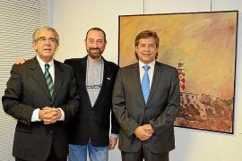 Miguel Ángel Guerreiro presenta su obra en el Consulado de Argentina