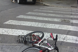Un ciclista, en estado muy grave tras ser atropellado